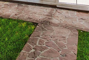 This picture shows a beautiful stone walkway done by our mason contractors in San Diego