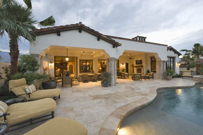 This picture shows custom pool deck builders in San Diego